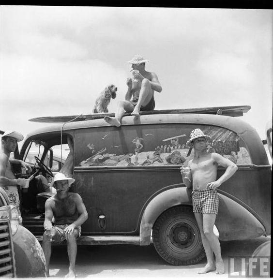 Holgazanes de playa disfrutando del tiempo libre sin reloj
