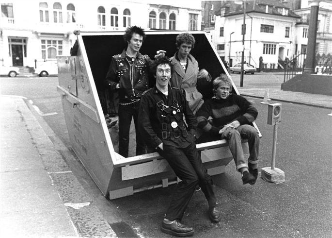 Los Sex Pistols calzan creepers