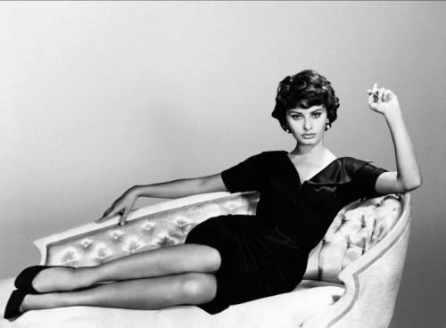 Sophia Loren con vestido de los 50
