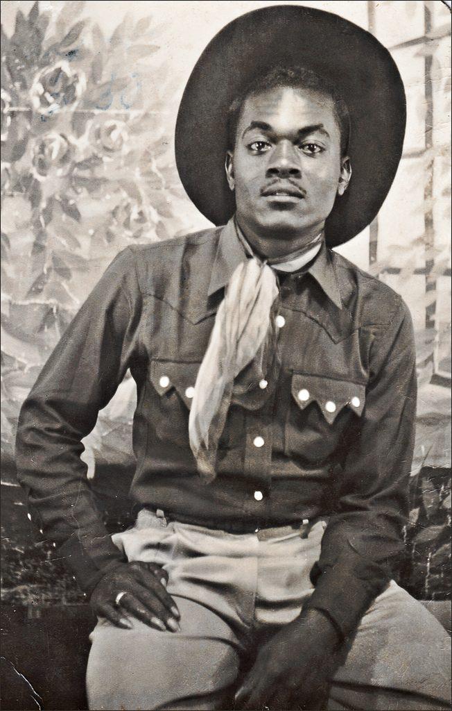 Cowboy mexicano con camisa western