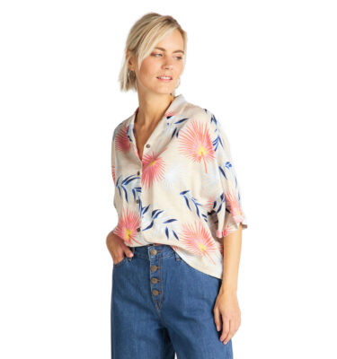 CAMISA LEE® SHORT SLEEVE FLORAL RESORT SHIRT