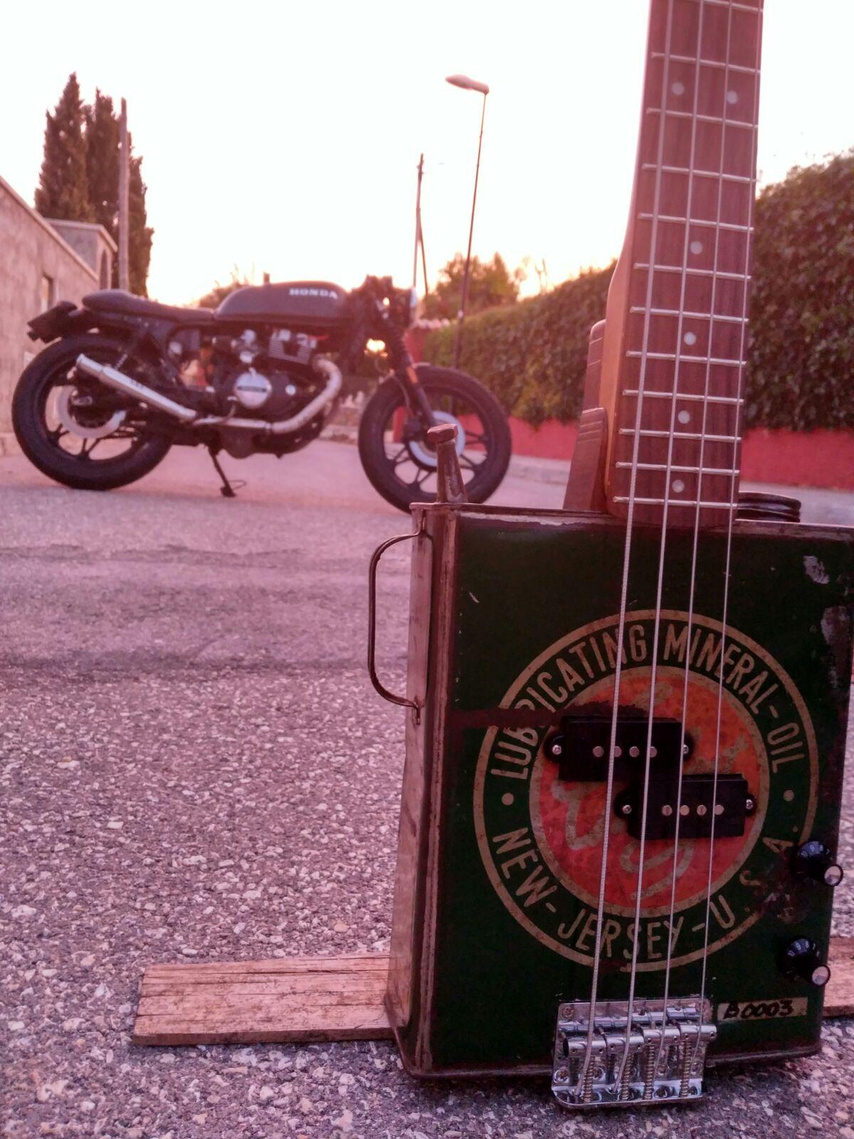 BUZZ!! Guitarras del motor