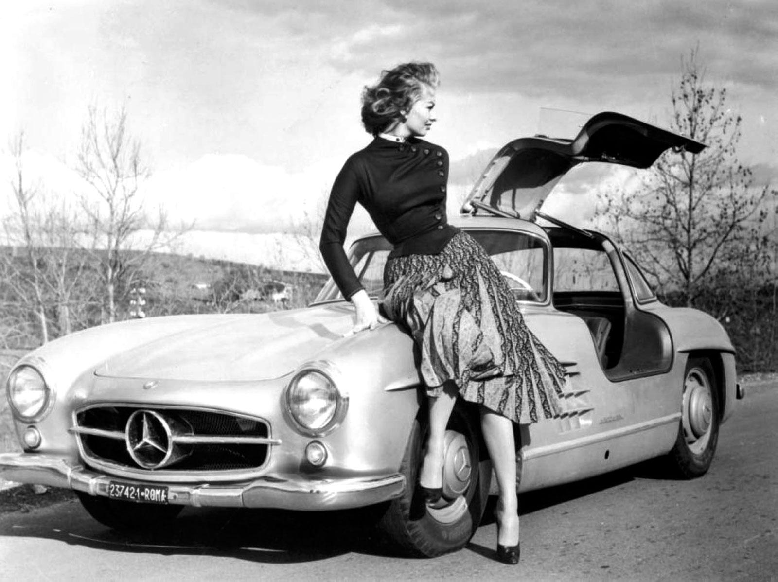 Vestidos de los años 50. La mujer avispa